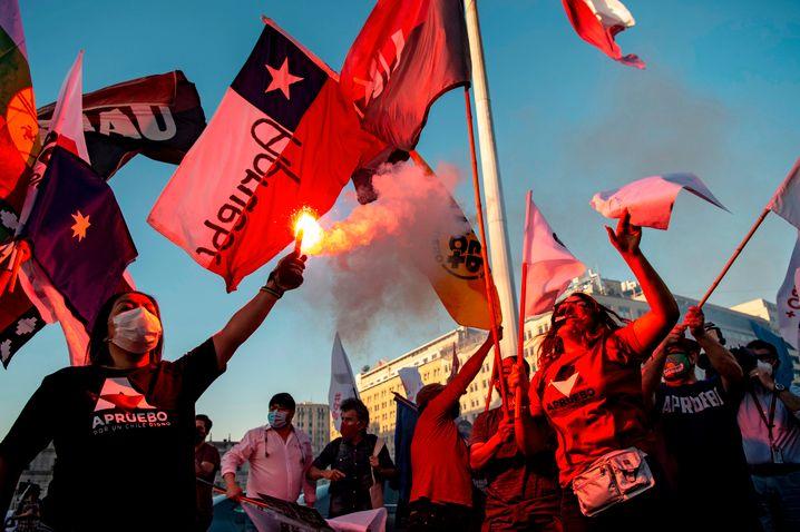 Trotz Pandemie gehen Chilenen weiter für Veränderung auf die Straße