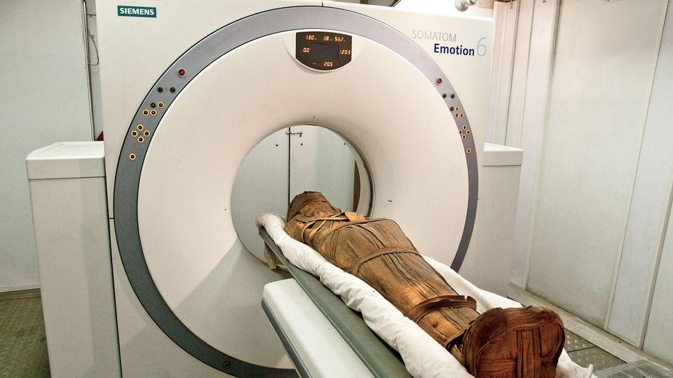 """Mumie im Computertomographen: """"Nach Risikofaktoren für die Krankheit suchen"""""""