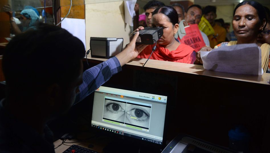 Aufnahme von Iris-Scans für Aadhaar-Ausweise