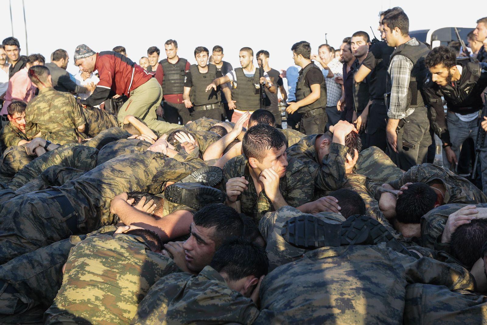 Türkei/ Putschversuch/ Soldaten