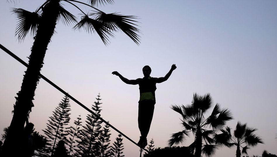 Slackline balancieren ist nicht angeboren - aber trainierbar