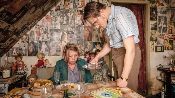 Fritz Honka (Jonas Dassler) hat ein neues Opfer abgeschleppt