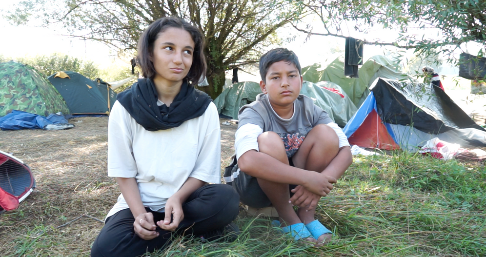 """Nazila and her brother Farzin: """"If you tell them that you refuse to go back to Bosnia, they get furious."""""""