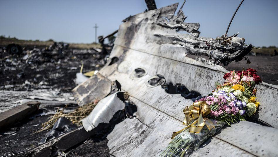 """Wrackteile im Osten der Ukraine: """"Vor Ort wird weiter gekämpft, wir können das Risiko nicht eingehen"""""""