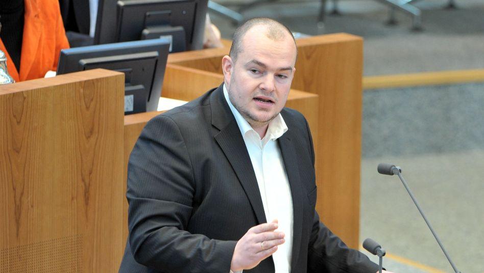 Abgeordneter Düngel (Archivbild): Ärger mit mehreren Gläubigern