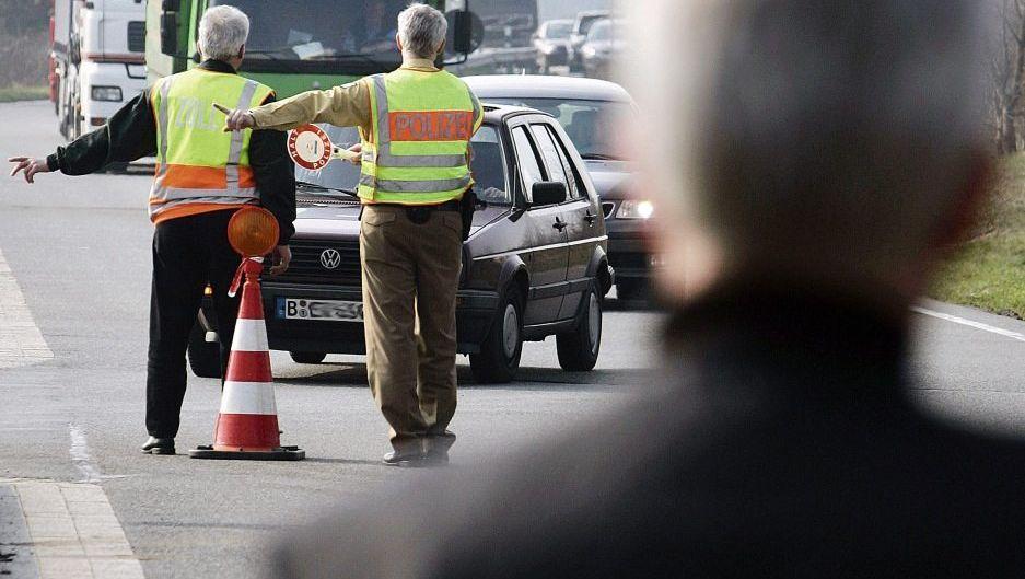 Kontrolle auf der Autobahn: »Über Recht und Gesetz hinweg«