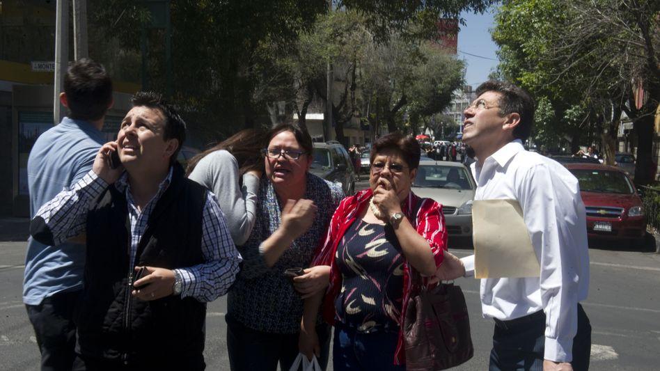 Stärke von 7,4: Schweres Erdbeben erschüttert Mexiko