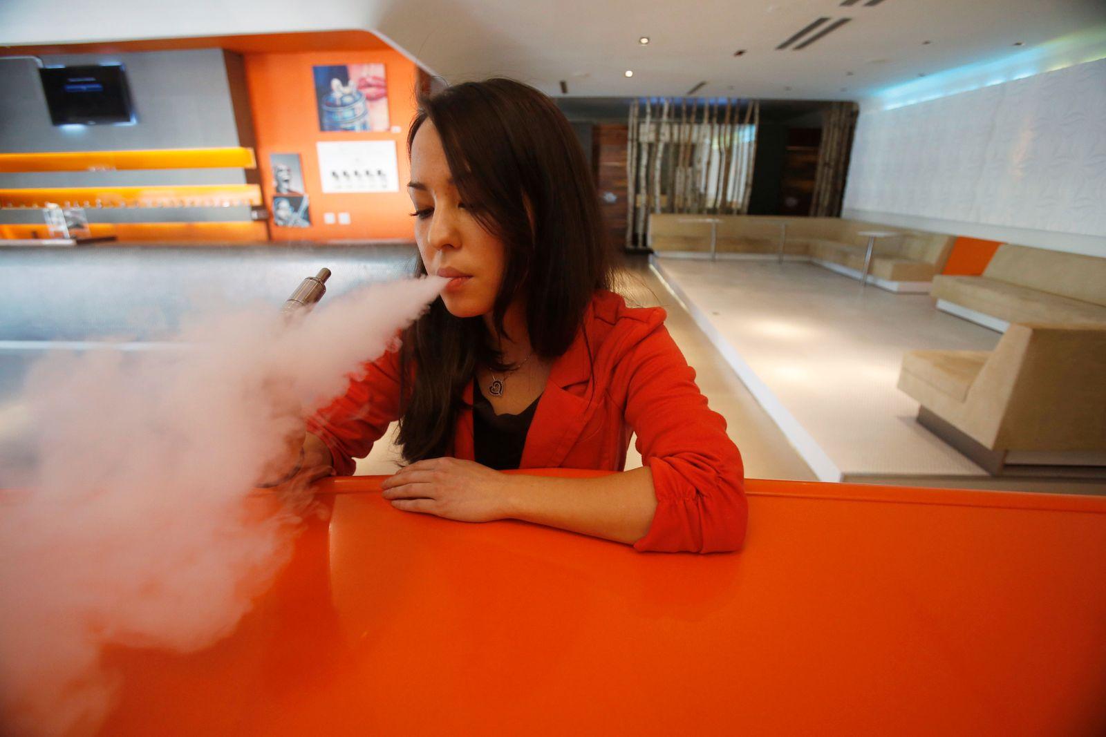 E-Zigarette / Jugendliche