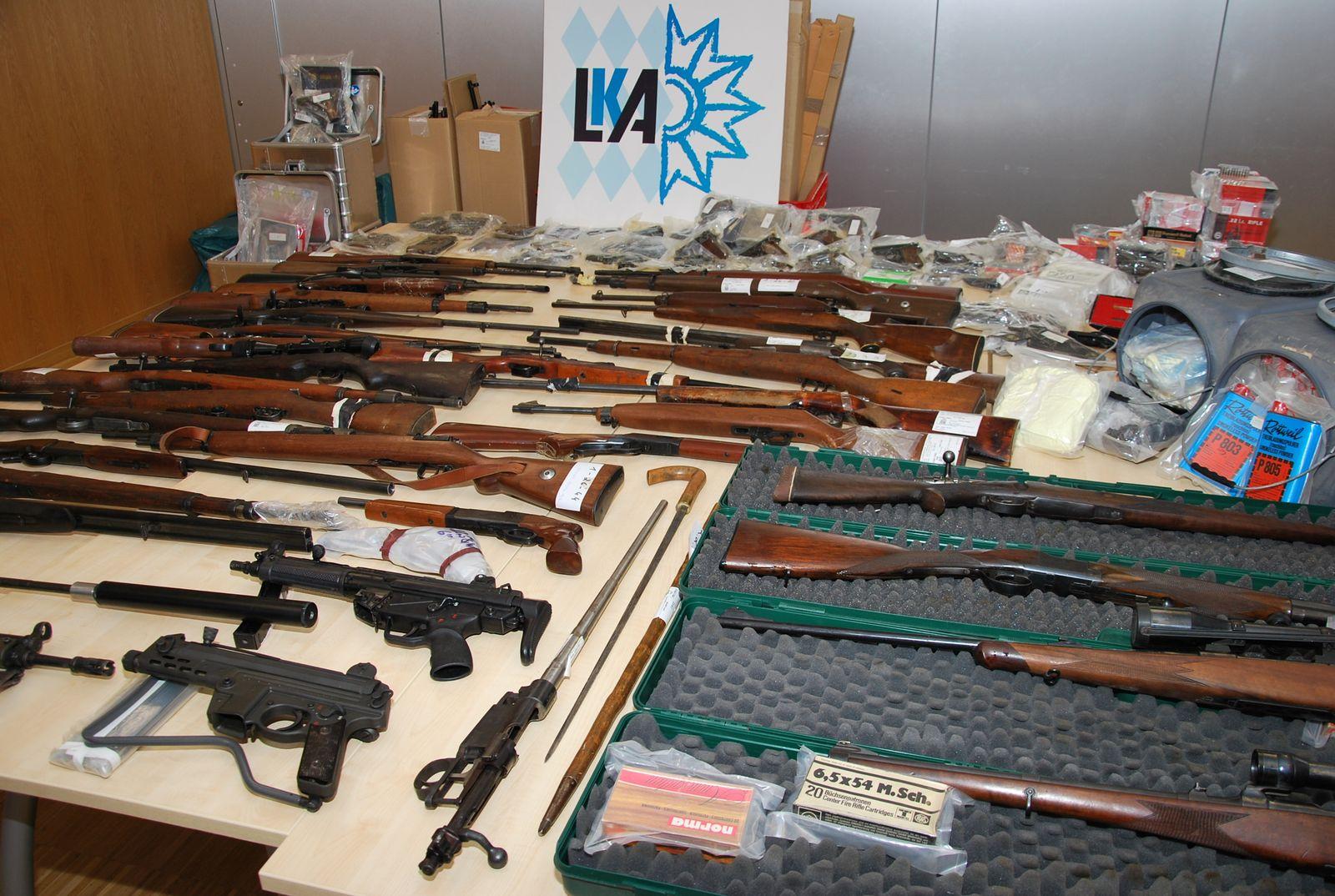 Waffenfund in Bunker