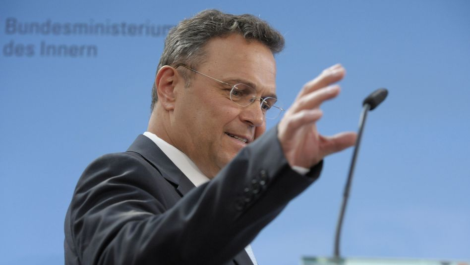 Innenminister Friedrich am Donnerstag: Sechs Monate alle Verbindungsdaten speichern