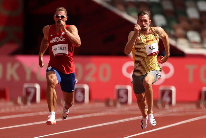 Niklas Kaul (r.) beim Start in den olympischen Zehnkampf
