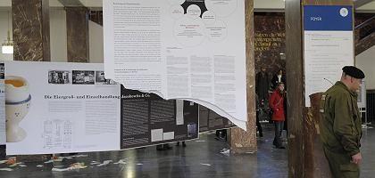 Zerstörte Ausstellung in der Humboldt-Universität: Gewalt bei der Schüler-Demo