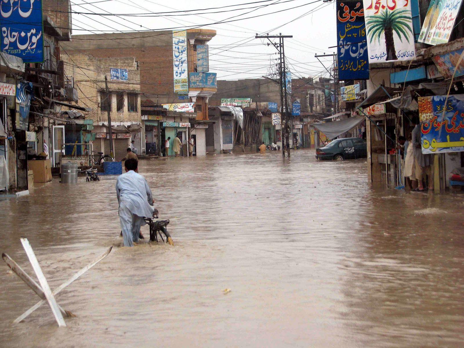 Flut trifft 2,5 Millionen Pakistaner