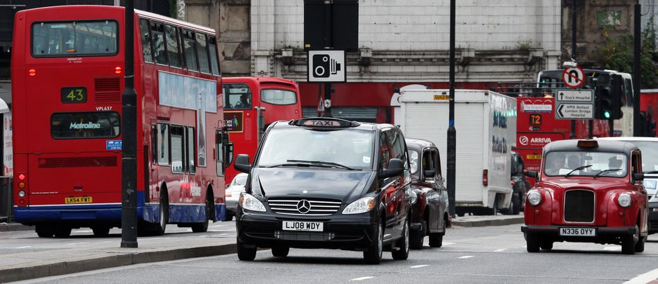 Mercedes-Taxi in London