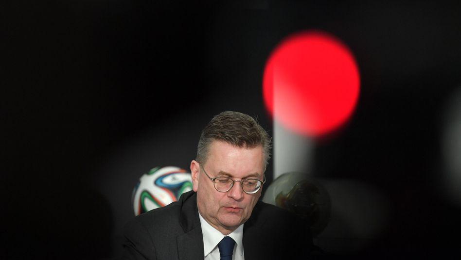"""Reinhard Grindel erklärt seinen Rücktritt als DFB-Präsident: """"Ich bin tief erschüttert"""""""