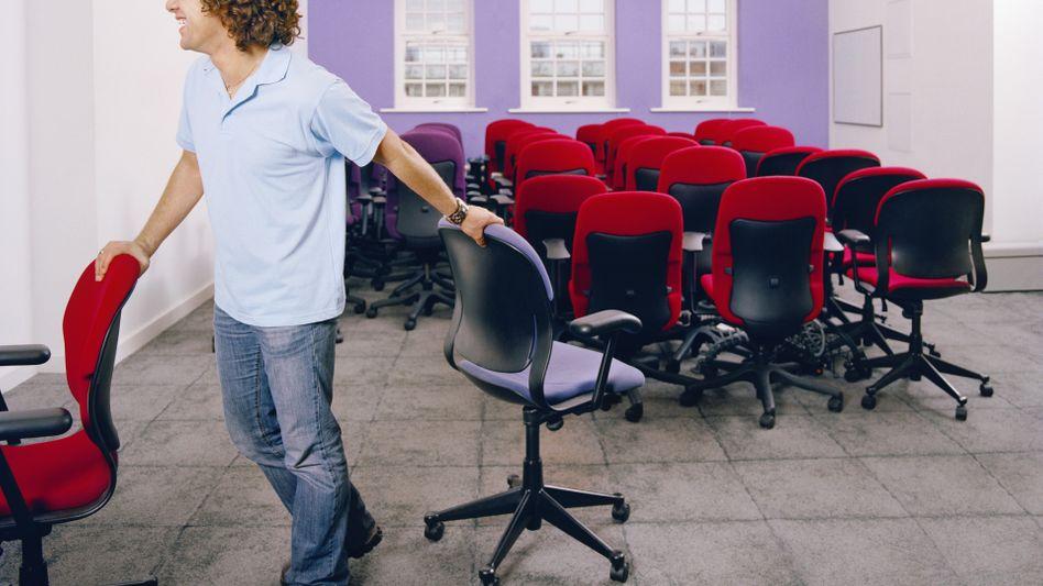 Stühle rücken: Wie lassen sich Büroarbeit und Bewegung in Einklang bringen?