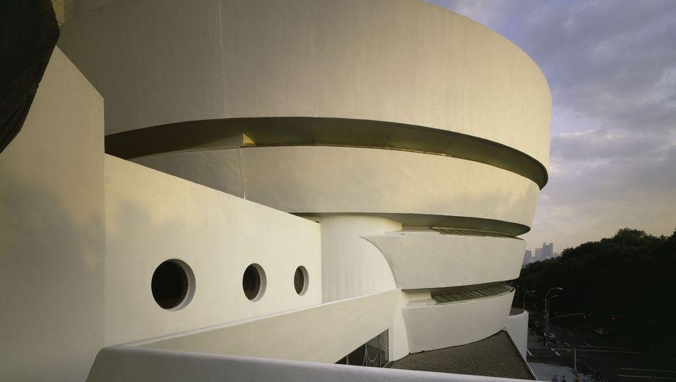 """Spirale des Guggenheim Museums: """"Auch menschliches Agieren hat eine Materialität"""""""