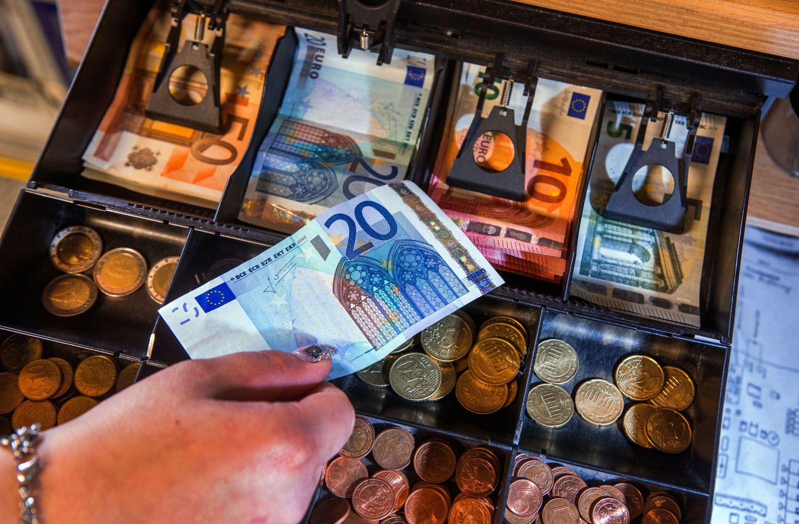 Deutschland / Konjunktur / Konsum / Bruttoinlandsprodukt / Kasse /