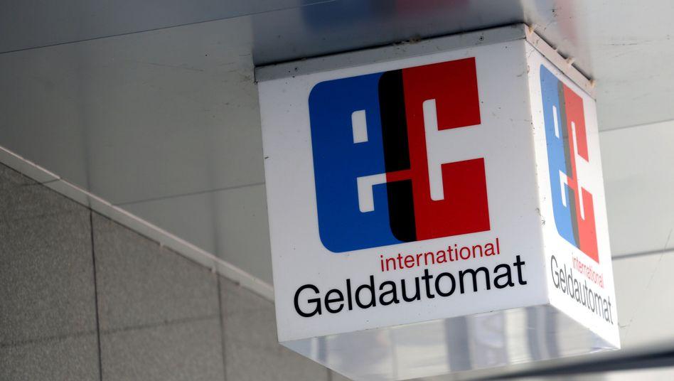 """""""EC""""-Symbol (in Neukirchen-Vluyn): Jeder soll ein Konto haben"""