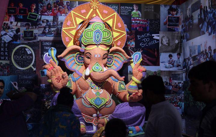 Nicht nur Christen nutzen das Symbol des Heiligenscheins seit der Antike, sondern auch andere Glaubensrichtungen, etwa der Hinduismus beim Elefantengott Ganesha.
