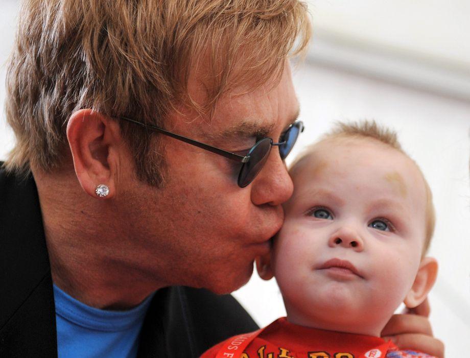 Elton John Vater