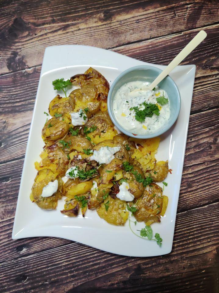 Knusprig, w??rzig, cremig, frisch: Die perfekte Harmonie aus Kartoffelp??ree und Pommes