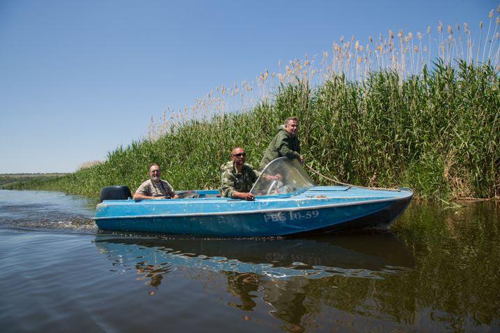 Sergej auf einem Wolgaarm etwa 120 Kilometer nördlich von Wolgograd bei dem Ort Gornij Balyklej