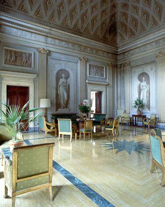 Villa Bonaparte, Rom: Mehrraumwohnung für nicht-schwule Bewohner
