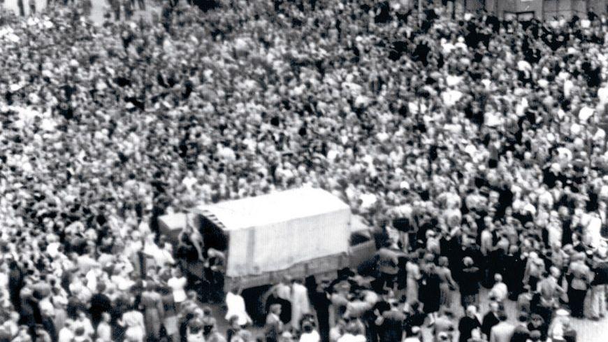 Demonstration gegen das SED-Regime am 17. Juni 1953 in Görlitz auf dem Obermarkt