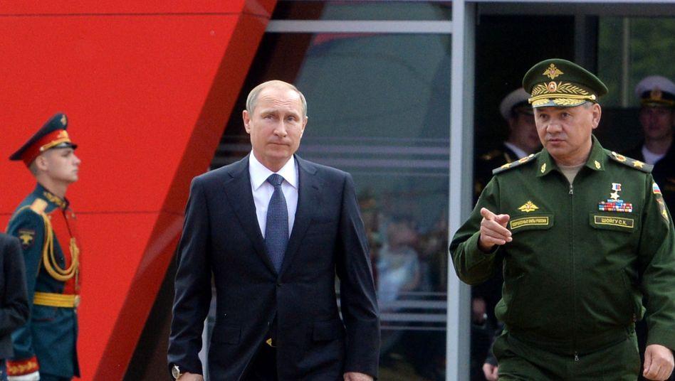 Putin auf der Waffenmesse: Mehr Atomwaffen