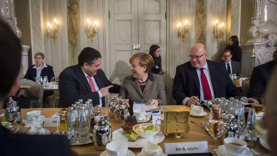 Kabinettsklausur: Merkel verteidigt Gabriels Energiepläne