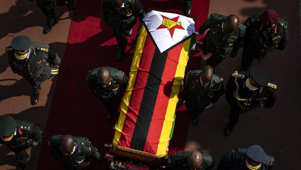 Trauerfeier für Mugabe: Das Stadion kaum gefüllt
