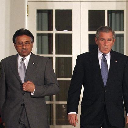 """Musharraf, Bush: """"Gemeinsam über Strategien nachdenken"""""""