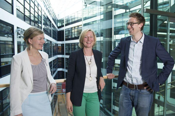 SPD-Wahlkämpferin Joost mit den SPIEGEL-ONLINE-Redakteuren Annett Meiritz und Veit Medick