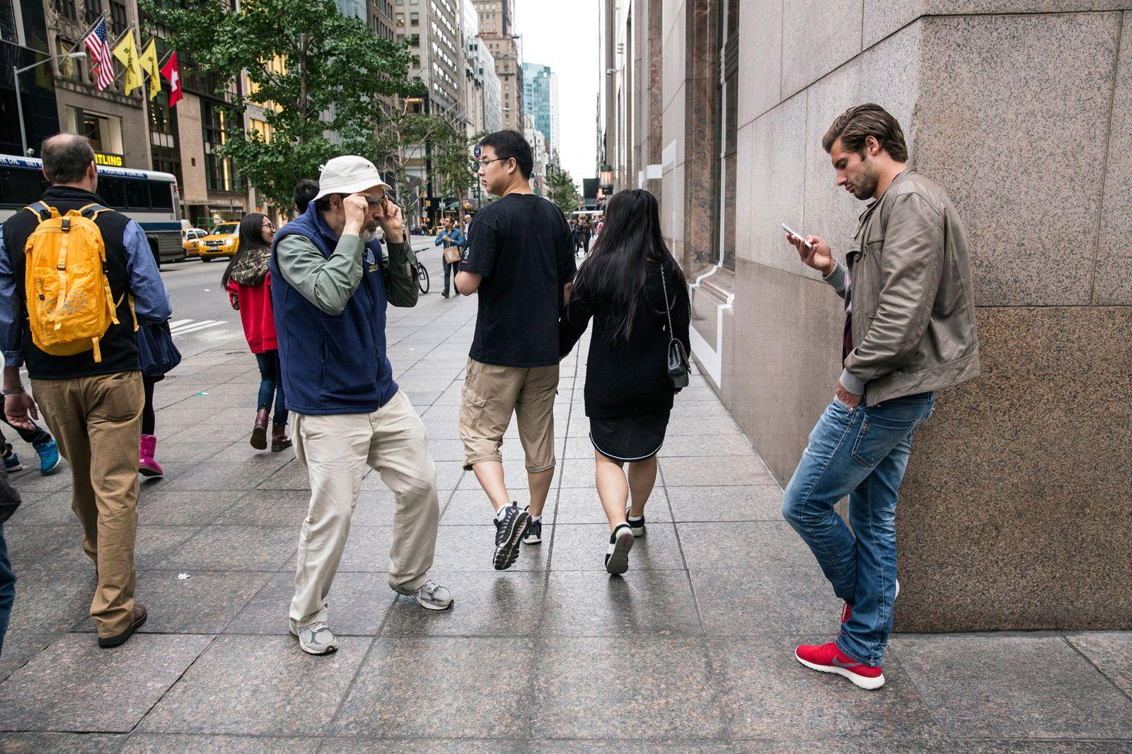 EINMALIGE VERWENDUNG Google Glass / Bruce Gilden / Rundgang