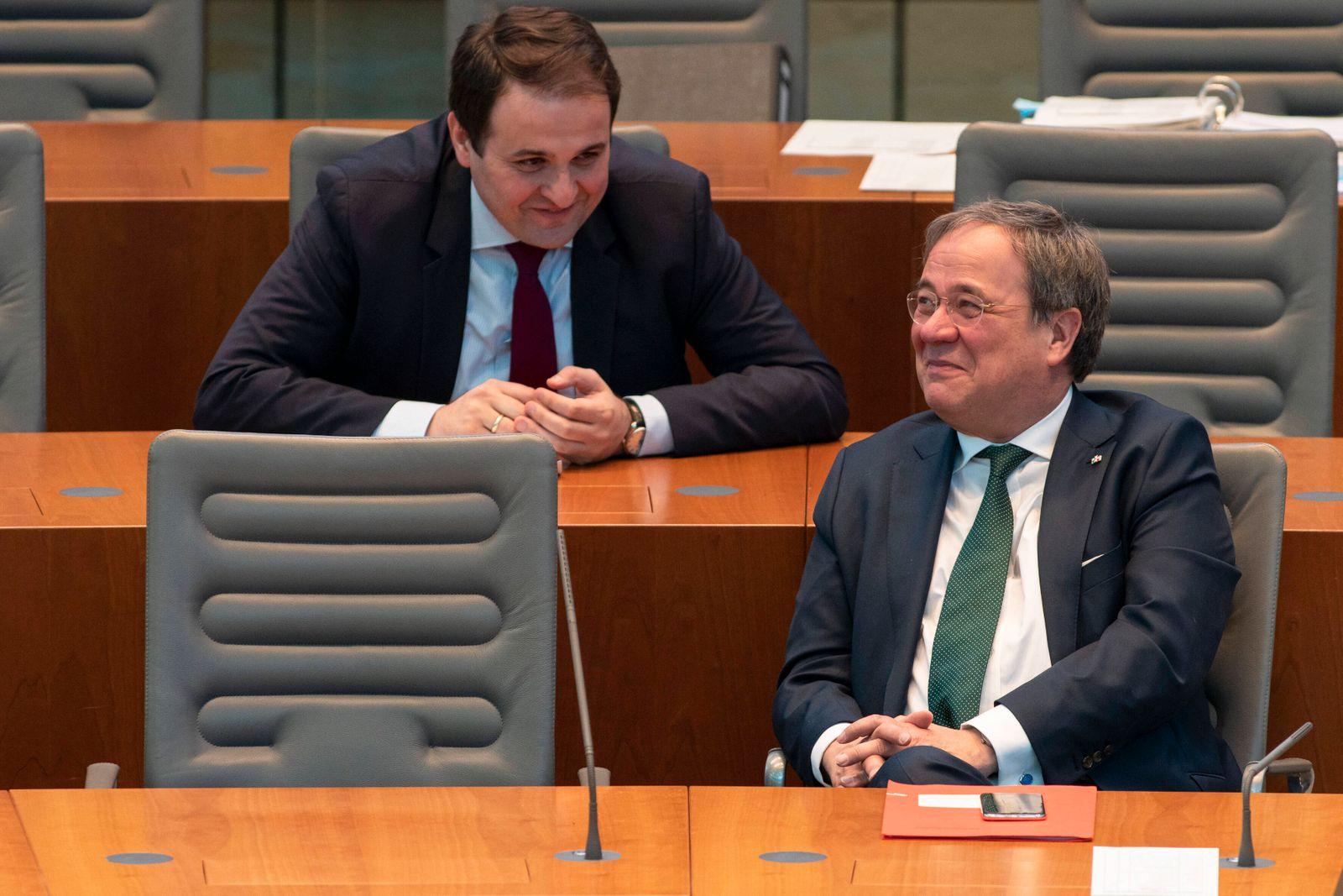 Nathanael Liminski, Armin Laschet Düsseldorf, 01.04.2020: Plenardebatte im Landtag Nordrhein-Westfalen zum geplanten Ep