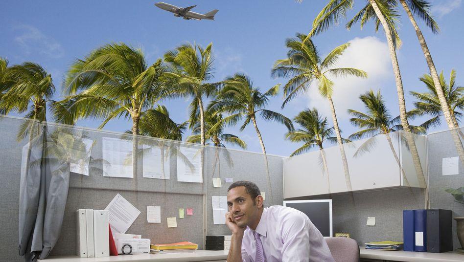 Fernweh im Büro: Viele träumen von der Karriere im Ausland - aber wie ist die Rückkehr?