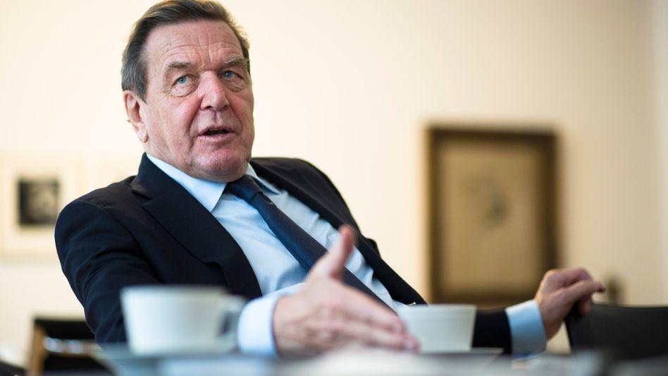 """Altbundeskanzler Schröder: """"Im Moment nützen Sanktionen wenig"""""""