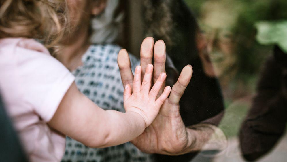 Großmutter und Enkelin (Symbolbild): »Wunderbare Ressource«