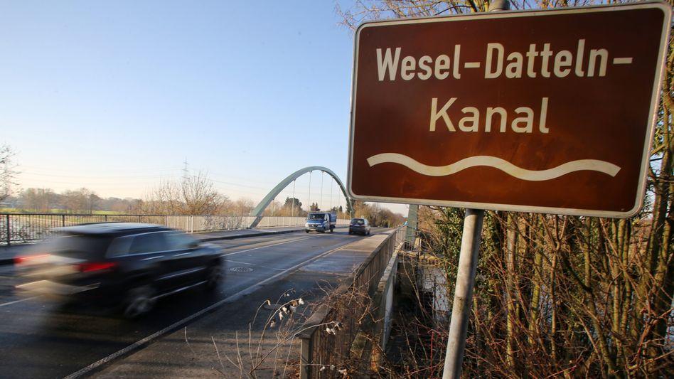 Wesel-Datteln-Kanal in Voerde