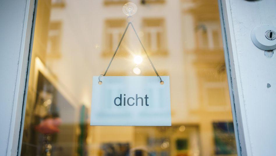 Geschlossene Galerie in Frankfurt am Main: Gültigkeit jeweils auf einen bestimmten Monat begrenzen