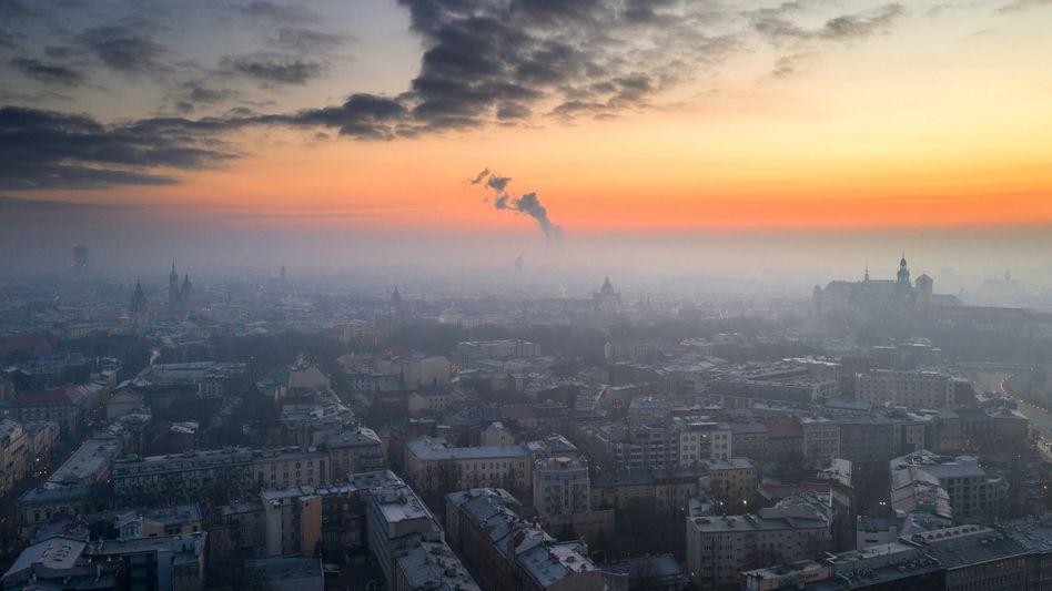 Smog über der polnischen Stadt Krakau am 11. Januar 2021