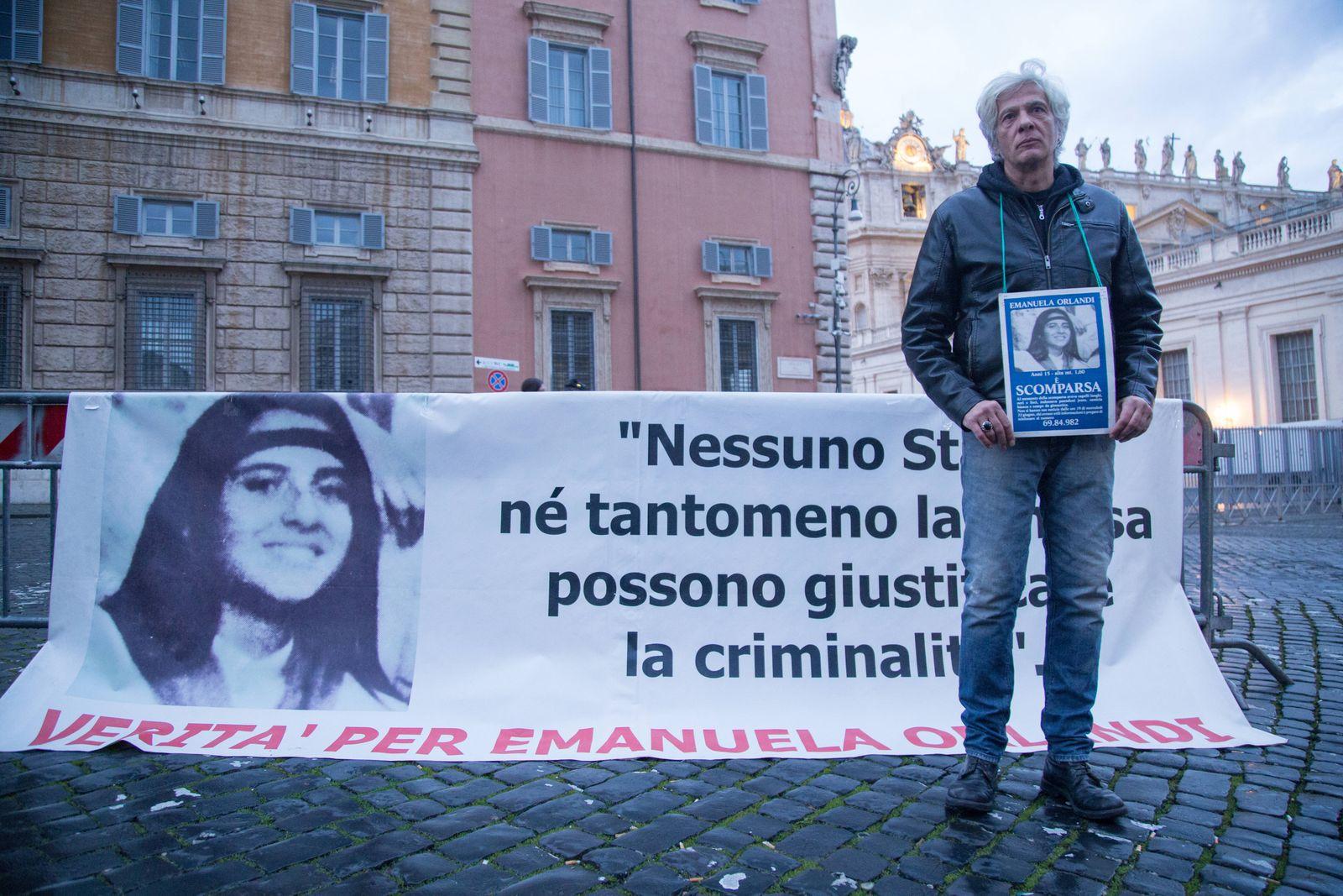 Italy: Sit-in for Emanuela Orlandi in Rome Pietro Orlandi Sit in Piazza del Sant Uffizio in Rome organized by Pietro Orl