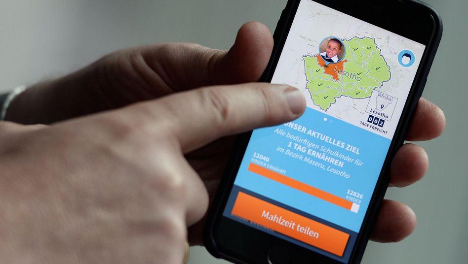 """Smartphone-App """"ShareTheMeal"""": 40 Cent pro Klick, jeweils eine Mahlzeit für hungernde Kinder"""