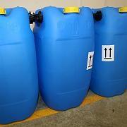 Bestellt und nicht abgeholt: Drei Fässer mit 35-prozentiger Wasserstoffperoxyd-Lösung