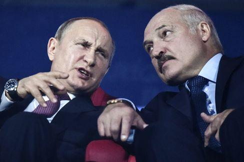 Wladimir Putin (l.) und Alexander Lukaschenko
