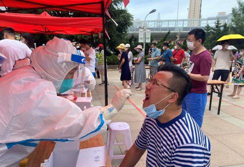 Corona-Tests in Dalian: Die Hälfte der sechs Millionen Einwohner der chinesischen Hafenstadt wurde laut der örtlichen Gesundheitskommission bereits getestet