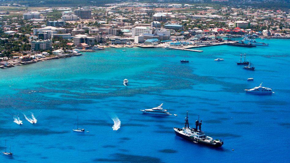 Schön und verschwiegen: Blick auf Grand Cayman, Hauptinsel der Kaimaninseln