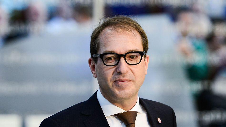Alexander Dobrindt: Minister für Breitbandausbau und Computerspiele