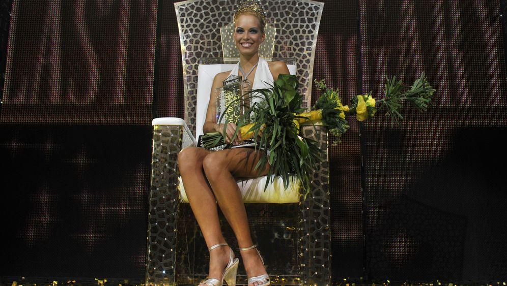 """Operierte Schönheiten: Wettbewerb """"Miss Plastic Hungary"""""""